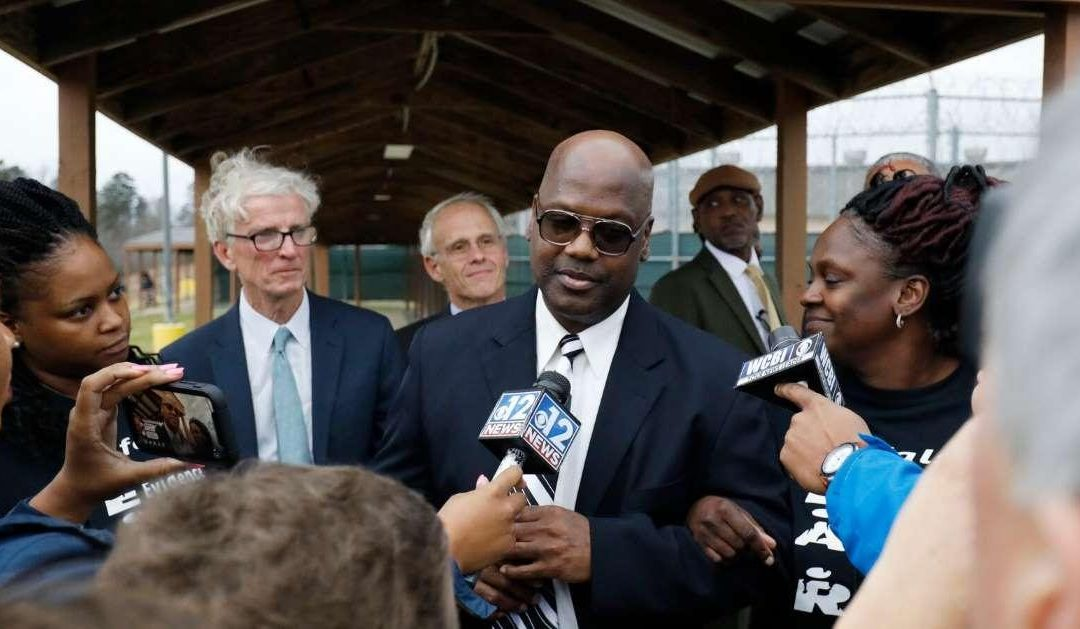 After 6 Murder Trials and 24 Years, Charges Dropped Against Curtis Flowers