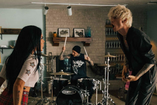 "Machine Gun Kelly teams up with Halsey for ""forget me too"" visual"
