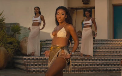 "Sevyn Streeter glistens in new ""Kissez"" visual featuring Davido"
